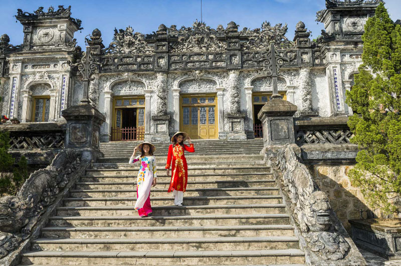 The staircase up to the tomb of Tu Duc, Hue